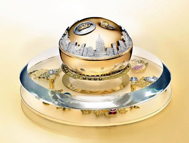DKNY-Golden-Delicious-Million-Dollar-Fragrance-Bottle